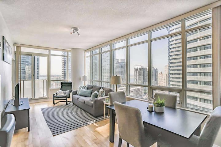 Fabulous Stay in Luxury 1BR Condo in downtown TO