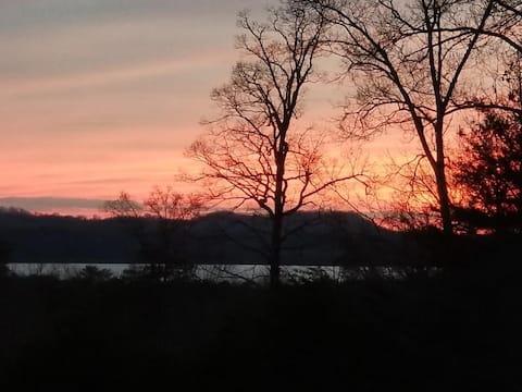 Smokey Branch Hideaway, amazing lake and mtn views