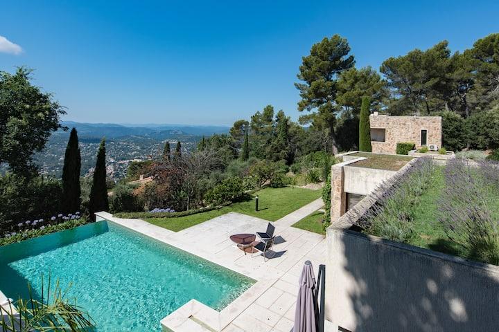 Villa architecte, grande piscine, vue panoramique