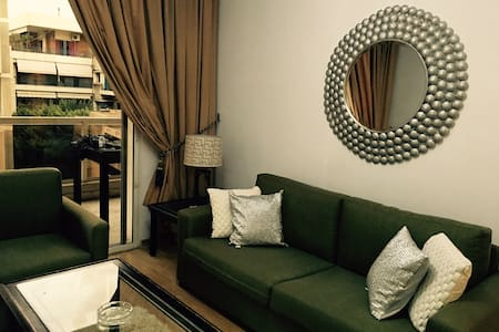 Spacious 1 Bedroom Suite & Balcony - Beyrut