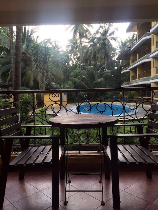 Sit out for morning tea. Being ground floor its kid friendly. You can monitor kids from the balcony.