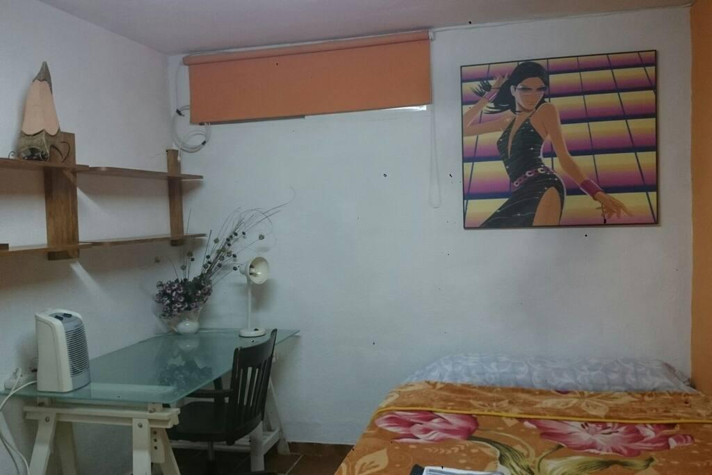 Habitación especialmente para visitantes de corto o largo tiempo.