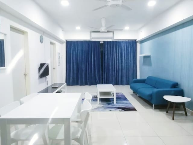 2BR/Fully Aircond/Pool/Astro/Wifi @ KB