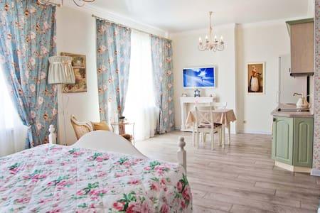Квартира в центре Provence. - Chelyabinsk