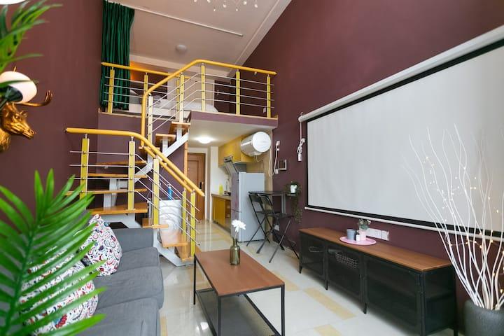 复古工业ins复式loft/100寸高清私人影院/迷你化妆台