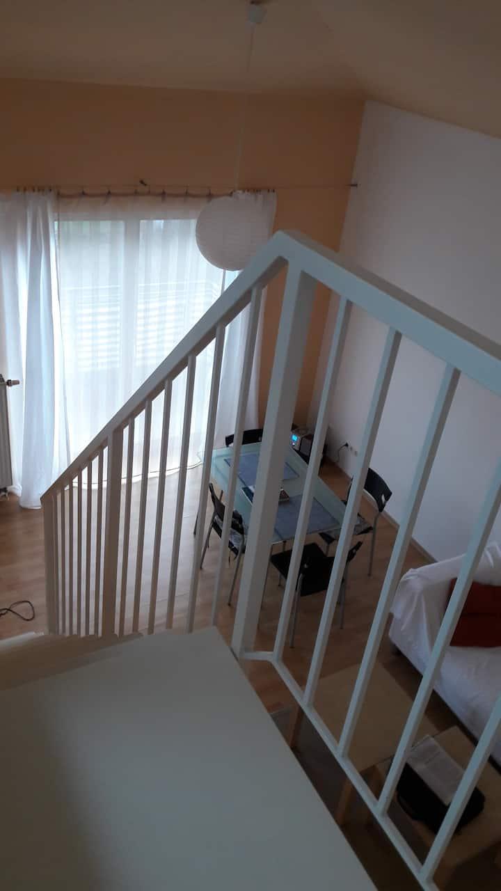Sonniges Apartment mit Galerie unweit BER