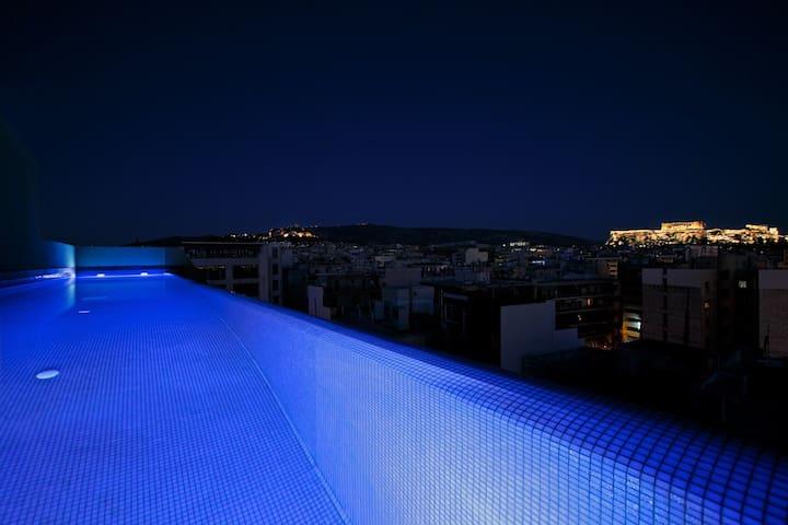 2Bdrm Apt with pool-Athens Center (1st floor)