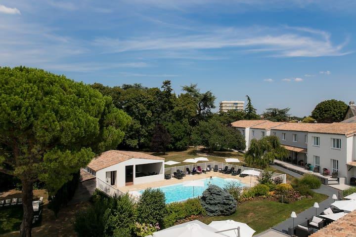 Hôtel & spa avec piscine dans le Marais Poitevin