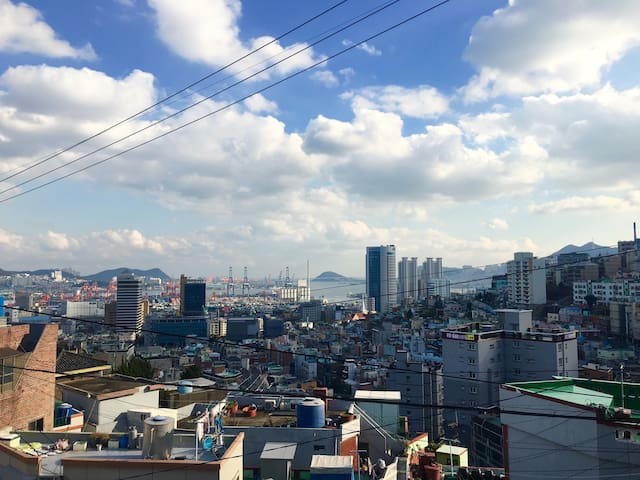 Korean Local Residence&Nice view(Busanjin station)