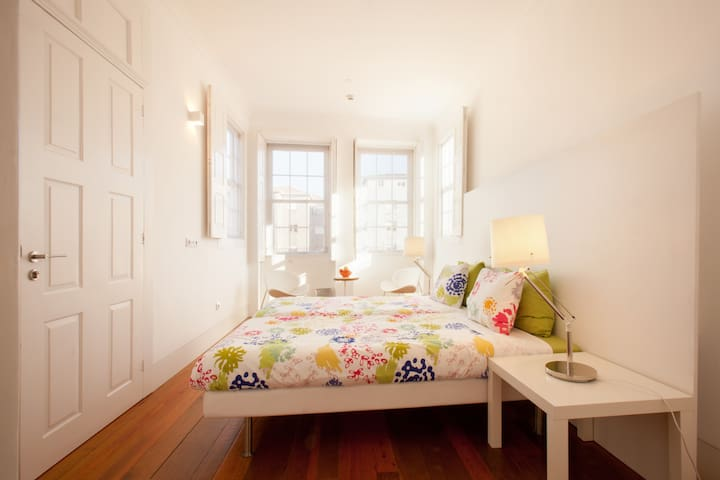 3 Bed Private Deluxe Ensuite