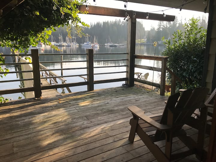 * end of summer discount* Waterfront Deep Cove