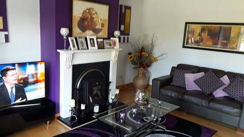Double Room with Breakfast and free WiFi purple