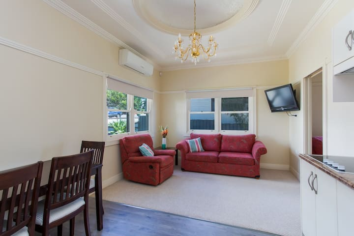 Edith Lodge - Apartment 2 - Waratah - Huoneisto