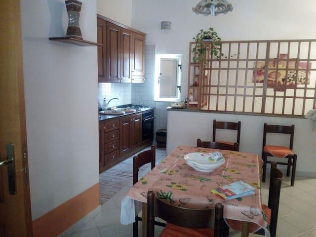 Appartamento Centro Storico - Santo Stefano di Camastra - Byt