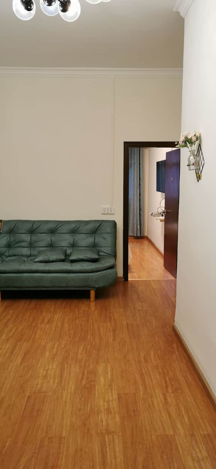 长汇民宿~北欧小清新装~在外地也有家的感觉!1.5米床,1.2米床