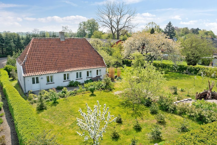 Hyggelig sommerhus i retro stil på Langeland