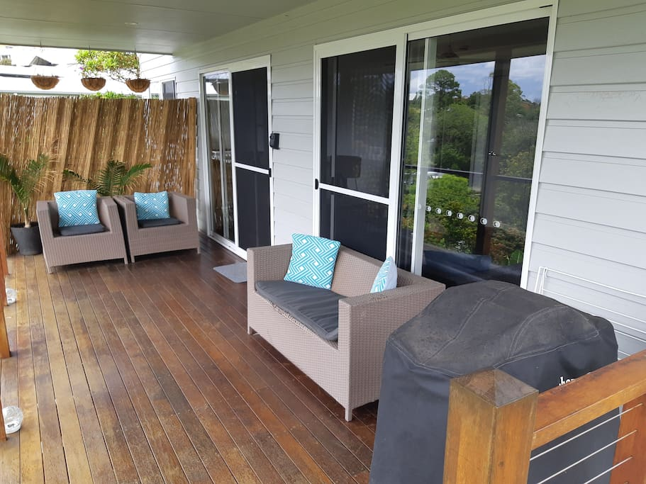 Enjoy the views to split solitary from the private deck. Fire up the Webber BBQ!