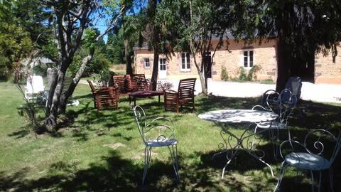 Maison Forestière en Forêt de Sillé-Le-Guillaume