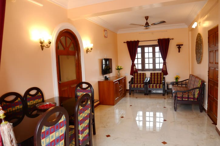 Vista Bellaire - 2BHK AC apt in Dona Paul