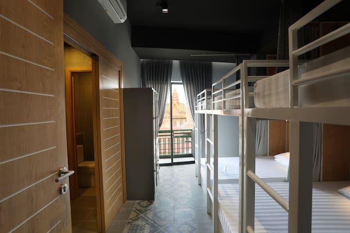 RS III Hostel,Private bathroom, Near Royal Palace