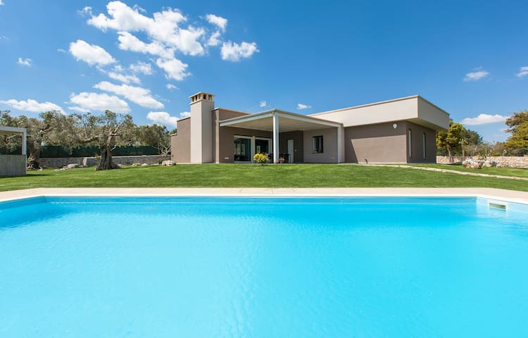 417 Luxury Villa with Pool Ruffano - Ruffano - Villa