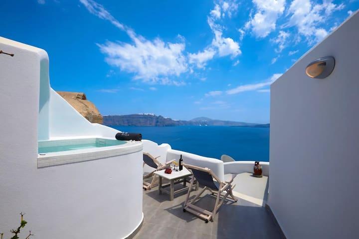 GRAVSAN401-4 Deluxe 2 Bed villa with Caldera view
