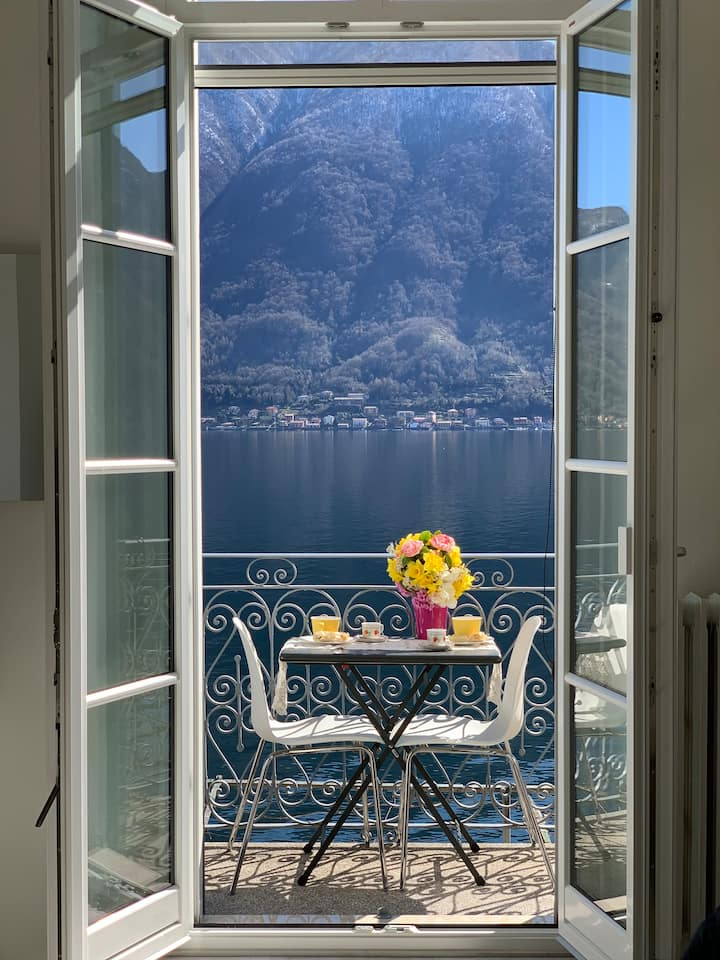 FURNISHED STUDIO  IN FRONT OF THE LAKE