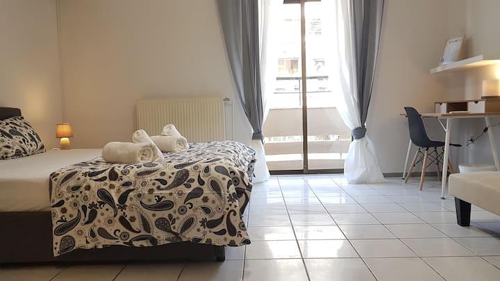 Carmine Room 5