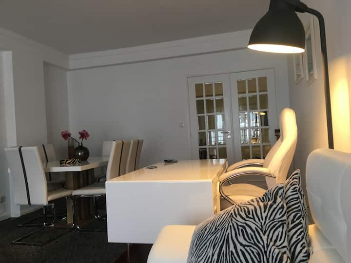 Luxurious Apartment  Parede-Cascais