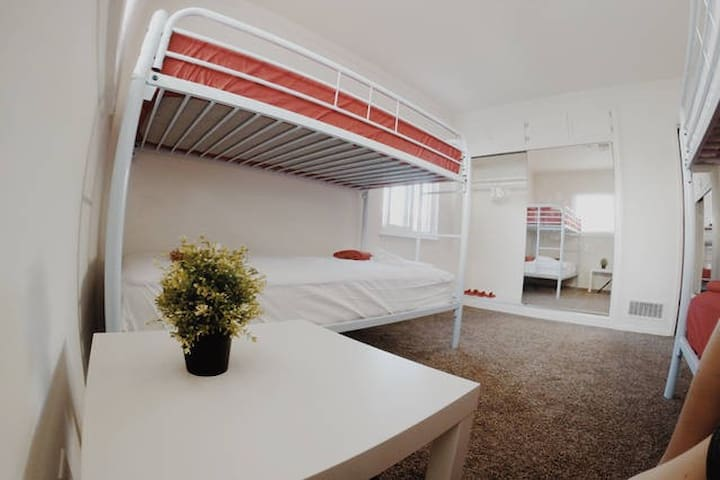 Room for 4 people - Los Angeles - Maison