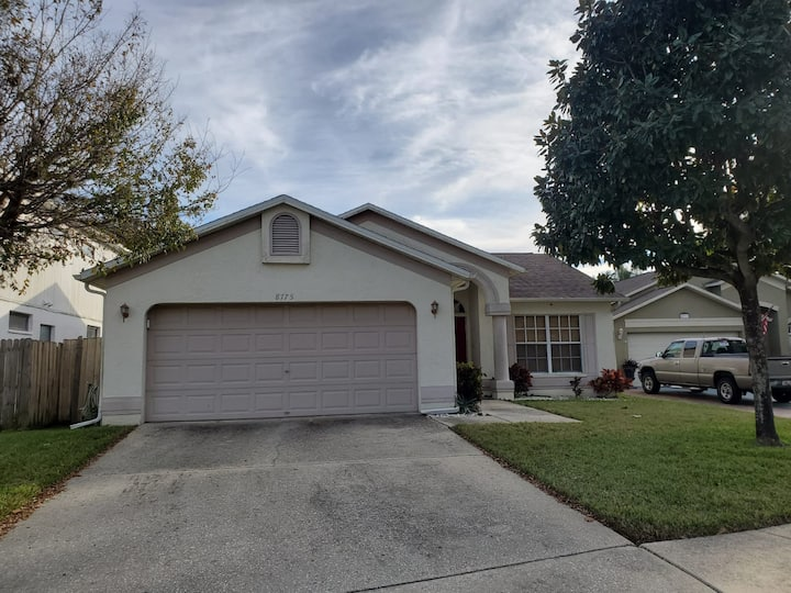 Welcoming Family house 3/BR-near Raymond Stadium
