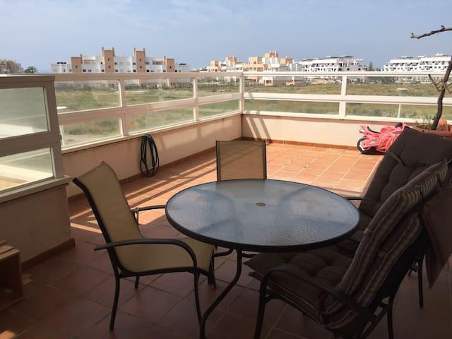 Apartamento junto a campo de golf. Piscina y Pádel - Almería - Appartement