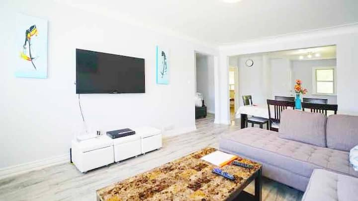 Stunning 6BR/12beds HM close to Falls/Clifton Hill