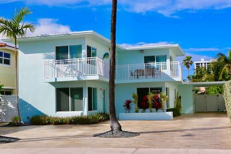 Amazing Beach House - Steps to the beach!