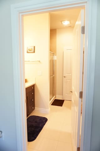 Private bathroom & closet entry