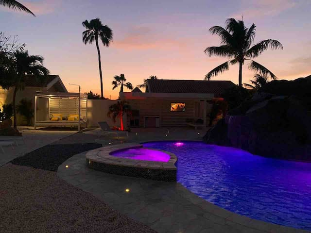 Sunset in the pool and beach area !!