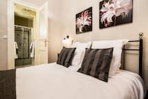 Classy 3 Bedrooms + 3 Bathrooms Family Apt