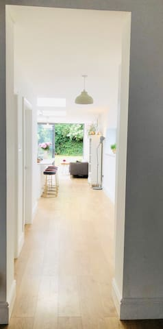 Double Room Large Open Plan House next to park