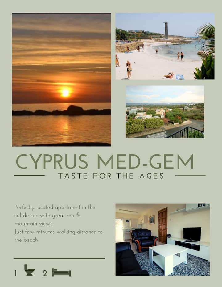 Perfecty located Med-Gem, just 300m from the beach