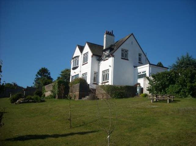 Mount Royal  B&B or room only  superb sea views - Paignton - Bed & Breakfast