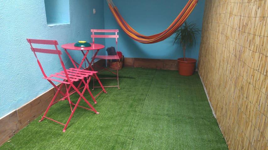 Charming apartment w/ winter garden 30271/AL