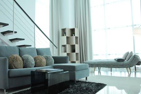SEAFRONT Duplex Suite Georgetown - Georgetown - Apartment