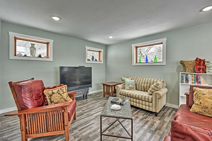 NEW! Stockholm Home w/ Views of Mississippi River!