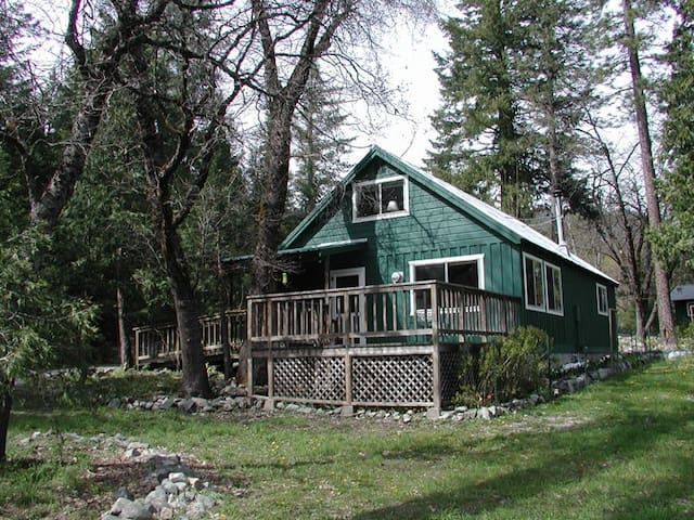 Stoddard Cabin - Trinity Center - Cabin