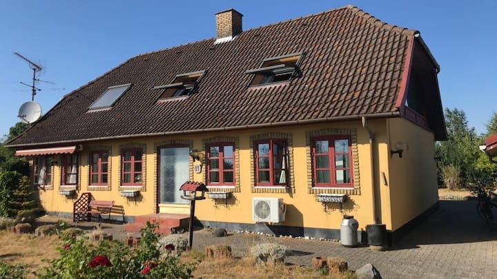 Åses hus på Skarø - fantastisk til øferie!