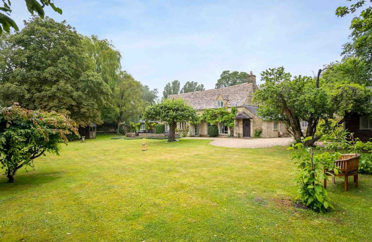 Causeway Cottage, Old Minster Lovell