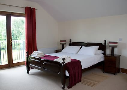 The Henhouse - Luxury holiday Apartment - Ashbourne - Flat