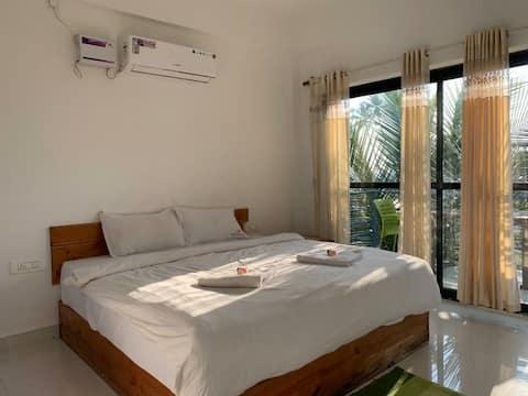 Private Pool Villa Right on Arambol beach