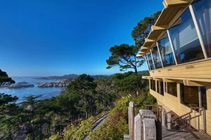 1BR-1BA-Kitchen Hyatt Carmel Highlands