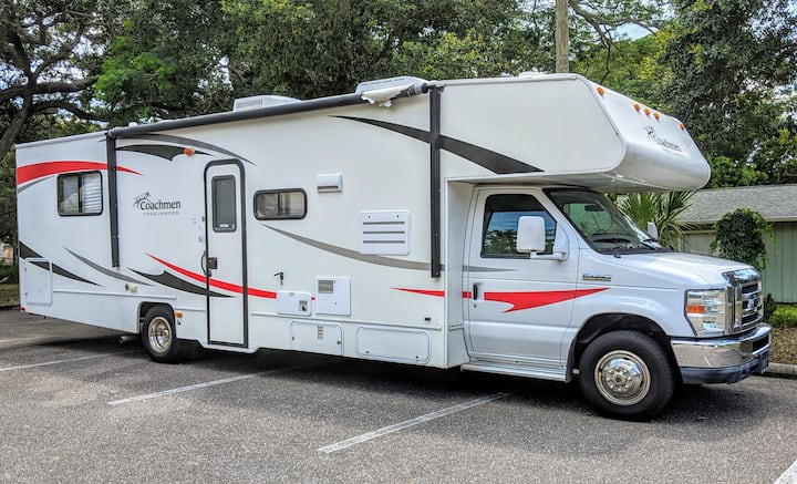 32 FT. RV delivered to RV parks, Tampa area